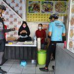 Ganjar Apresiasi Pemilik Warung Bubur Ayam Legenda Gratiskan Makanan untuk Pasien Covid
