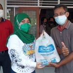 Indomaret Area Puwodadi Bagikan Bantuan Paket Semabako Ke Sejumlah PKL